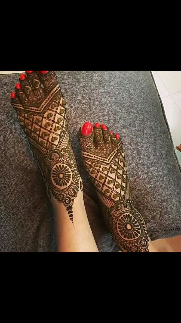 Arabic Mehendi Designs for Feet