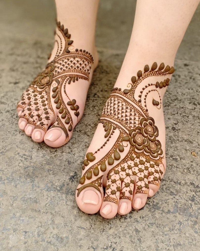 Arabic Mehndi Design for Feet
