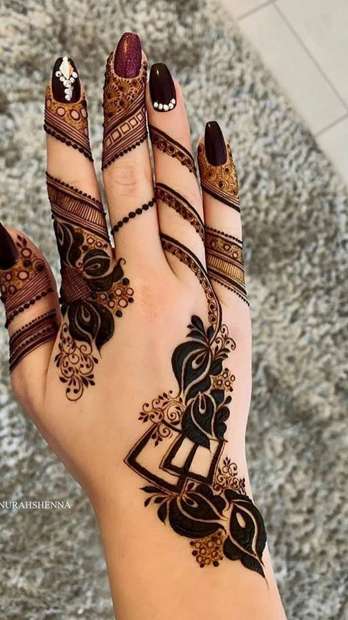 Elegant Back Hand Arabic Design