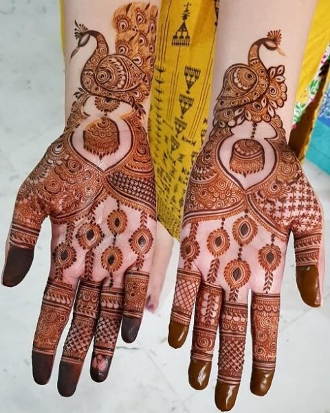 Freestyle Bold Arabic Mehndi Design