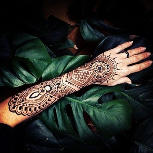 Glamorous Arabic Mehndi Design for Brides
