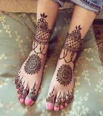 Modern Arabic Feet Design