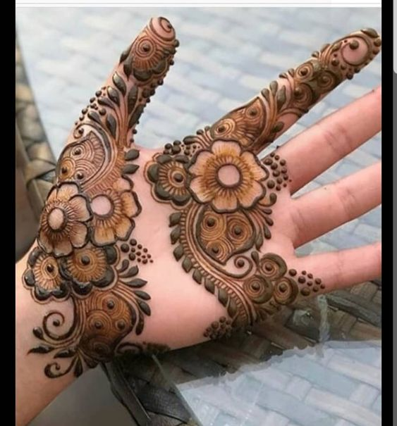 Only Leaf and Creeper Mehndi Design Arabic