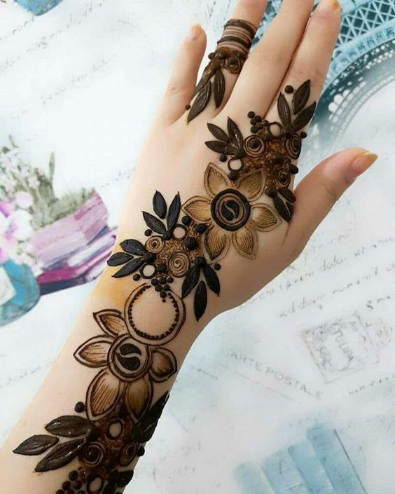 Simple Arabic Mehendi Floral Design