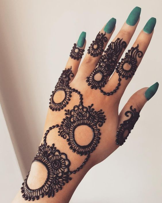 Stylish Back Hand Arabic Mehndi Design
